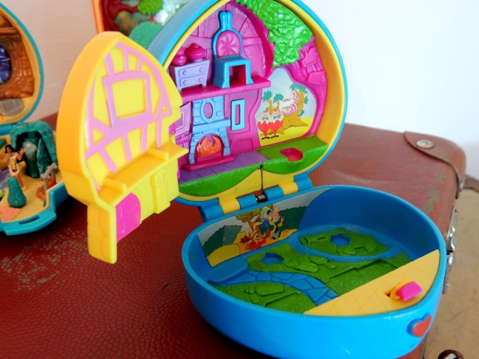 Polly Pocket Alice in Wonderland